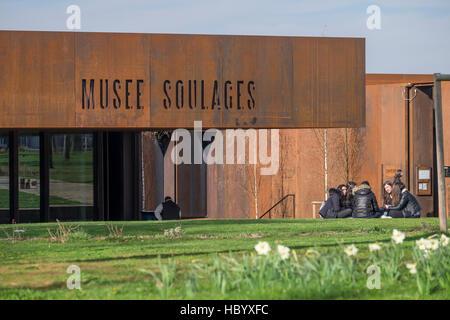 Musée Soulages, Soulages Museum, entworfen von dem katalanischen Architekten RCR Passelac & Roques, Rodez, Aveyron zugeordnet,