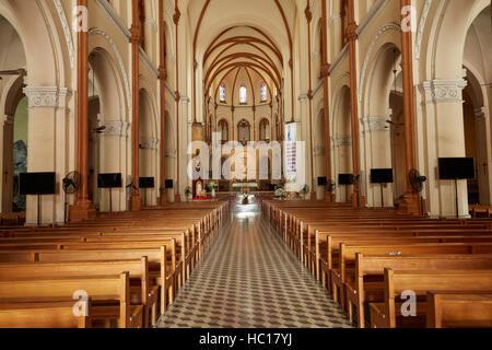 innenraum der basilika notre dame kathedrale stockfoto bild 60639464 alamy. Black Bedroom Furniture Sets. Home Design Ideas