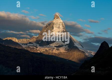 Das Matterhorn in den Schweizer Alpen gesehen aus neben der Gornergletscher unweit von Zermatt, Wallis, Schweiz - Stockfoto