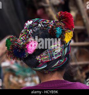 Nahaufnahme eines traditionellen Maya-Cinta oder Kopf wickeln, von hinten genommen.  Kopf geschossen nur. - Stockfoto