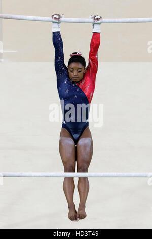 Rio De Janeiro, Brasilien. 7. August 2016. Simone Biles (USA) führt am Stufenbarren Zeittraining Damen Gymnastik auf die 2016 Olympischen Sommer-