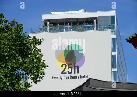 terrasse der monkey bar berlin deutschland stockfoto bild 72027624 alamy. Black Bedroom Furniture Sets. Home Design Ideas