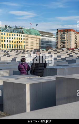 Das Denkmal für die ermordeten Juden Europas (auch bekannt als das Holocaust-Mahnmal) in Berlin, Deutschland