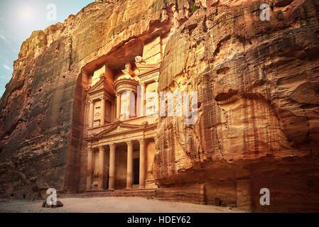 Al Khazneh - die Schatzkammer, antike Stadt Petra, Jordanien - Stockfoto