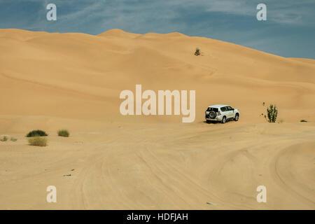 Jeeps traditionellen Safari Dune Bashing mit Touristen Oman Ubar in der Wüste Rub al Khali 9 - Stockfoto