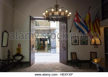 Kronleuchter Metall Antik ~ Alt havanna paella valenciana restaurant antik metall und
