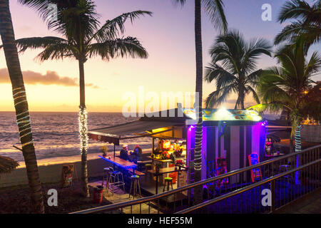 Strandbar Liebe am Strand bei Sonnenuntergang, Puerto Naos, La Palma, Kanarische Inseln, Spanien - Stockfoto