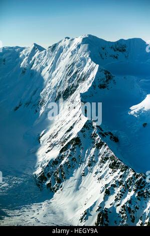 Eine Luftaufnahme vom Chrugach National Forest in Alaska USA. Die Chugach National Forest ist ein 6.908.540-Hektar - Stockfoto