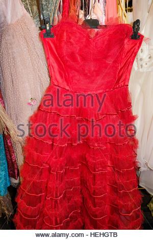 Mode, 1970er Jahre, Frau mit rosa Kleid und Haarband, Werbung für ...