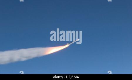 Die orbitale ATK-Pegasus-XL-Rakete und NASA CYGNSS Raumschiff startet über den Atlantik nach beförderten empor Orbital - Stockfoto