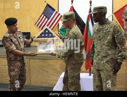 FORT DRUM, N.Y.-Command Sgt. Maj. Arnold Reyes, der scheidende 1st ...