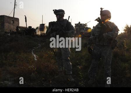 US Army Captain Greg Wortman und Sgt. 1. Klasse Ed Schlottman, Bandit Truppe, 1. Staffel, 9. Kavallerie-Regiment - Stockfoto