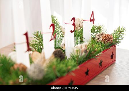 advent kranz vierten advent kerzen dekoration schmuck advent zeit stillleben weihnachten. Black Bedroom Furniture Sets. Home Design Ideas