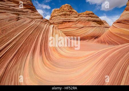 In der Mitte der Welle - ein Weitwinkel Ansicht von The Wave in North Coyote Buttes an die Grenze zu Arizona-Utah, - Stockfoto