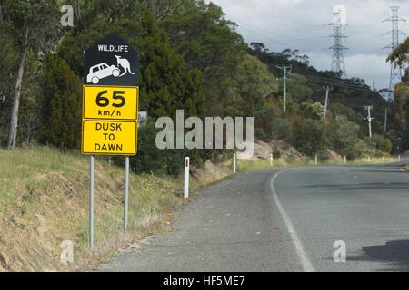 Tasmanien, Australien - 26. Dezember 2016: Wildlife Protection Seite Straßenschild - Stockfoto