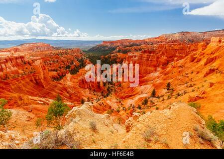 Bryce Canyon ist eine Sammlung von natürlichen Amphitheater des Paunsaugunt Plateaus beiseite. Bryce ist unverwechselbar - Stockfoto