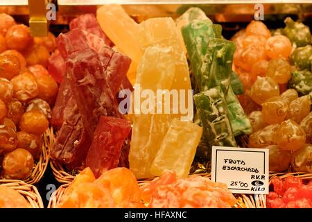 Spanische kandierten Früchten Süßigkeiten Fruto Escaronado süße bunte gelb rot grün - Stockfoto
