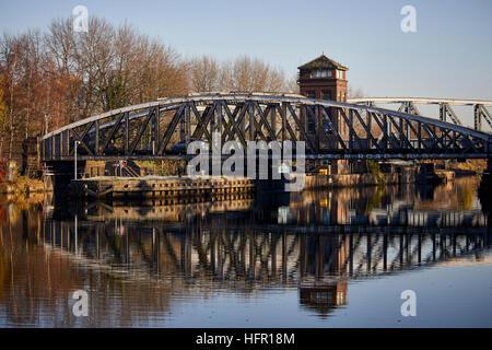 Manchester Ship Canal Barton Swing Bridge Trafford Park Grad II aufgeführten Straßenbrücke von Projektingenieur - Stockfoto