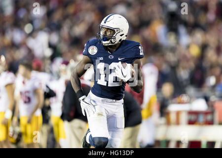 Kalifornien, USA. 2. Januar 2017.  Penn State Wide Receiver Chris Godwin (12) mit einem erstaunlichen Touchdown - Stockfoto