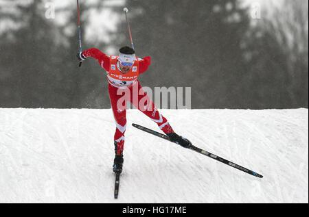 Oberstdorf, Deutschland. 4. Januar 2017. Alex Harvey von Kanada Ski während das Männerrennen Verfolgung während - Stockfoto