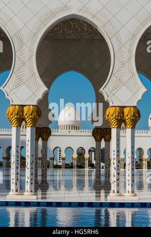 Sheikh-Zayed-Moschee, Abu Dhabi, Vereinigte Arabische Emirate Stockfoto