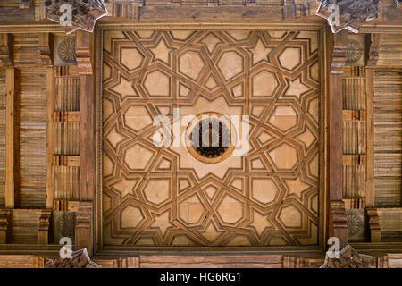 Holzdecke einer Moschee in Buchara, Usbekistan - Stockfoto