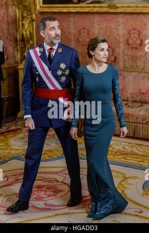 Madrid, Spanien. 6. Januar 2017.  Letizia Königin und König Felipe besuchen das Militär östlichen im königlichen - Stockfoto