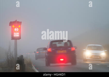 Dichter Nebel, Southport, Merseyside, Großbritannien Wetter: 7. Januar 2016.  Bodennebel Bedingungen verursacht - Stockfoto