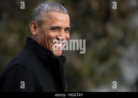 Washington, DC, USA. 7. Januar 2017. US-Präsident Barack Obama geht an Bord Marine One auf dem South Lawn des weißen - Stockfoto