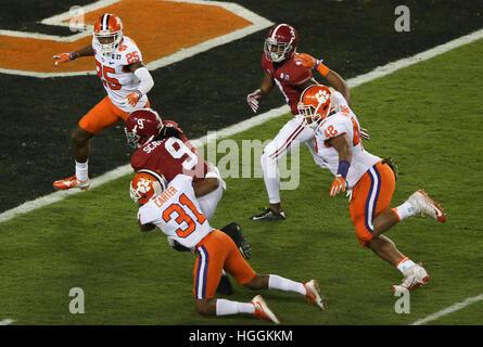 Tampa, USA. 9. Januar 2017. Alabama Crimson Tide Runningback Bo Scarbrough (9) dauert es in der Endzone für die - Stockfoto