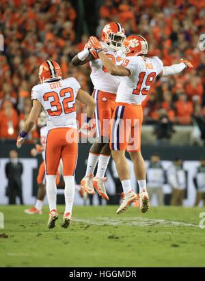 Tampa, Florida, USA. 9. Januar 2017. Clemson Tigers feiern nach dem blockierten Punt am national College Football - Stockfoto