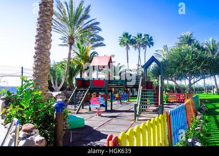 Einen bunten Spielplatz für Kinder in Las Palmas, Gran Canaria - Stockfoto
