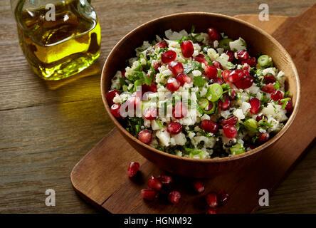 Taboulé mit Blumenkohl Reis - Stockfoto
