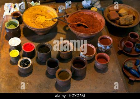 Ölfarbe Vorbereitung, Rembrandt House Museum, rembrandthuis, Amsterdam, Niederlande. - Stockfoto