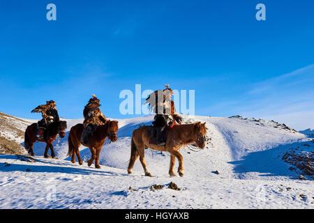 Mongolei, Bayan Ölgii, kasachische Adler Adler Jagd, Jäger, Steinadler - Stockfoto