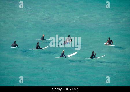 Surfer warten auf die Welle, Sydney, Australien - Stockfoto