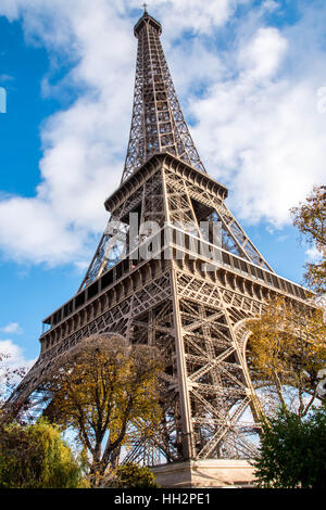Eiffelturm in Paris Im Winter - Stockfoto