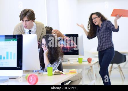Business-Mann Startup Büro haben Bedenken über die Arbeit - Stockfoto