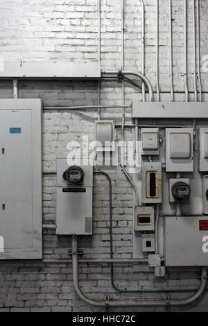 Ungewöhnlich Installation Von Elektrischen Boxen Bilder - Die Besten ...