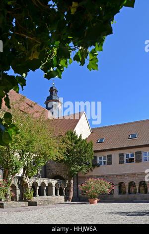 Kloster, Hof, Kloster, Stiftung, Stiftskirche, blau, Baum, - Stockfoto