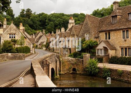 Hauptstraße in Castle Combe, Wiltshire, England, UK - Stockfoto