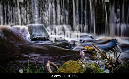 Fine Art slow-Shutter Geschwindigkeit Wasserfall, Lancashire UK - Stockfoto