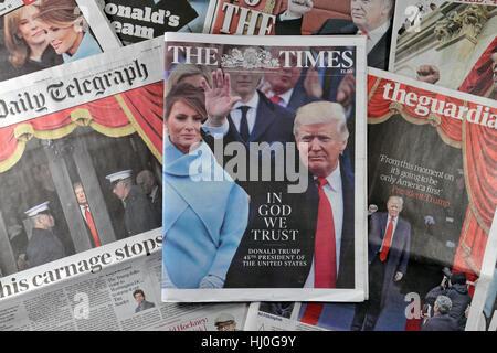 London UK. 21. Januar 2017.  Britische Zeitung Titelseite Reaktionen auf Samstag, 21. Januar 2017 nach der Amtseinführung - Stockfoto