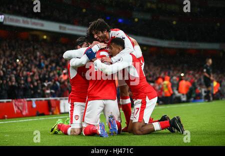 Olivier Giroud von Arsenal feiert scoring während der Premier-League-Spiel zwischen Arsenal und Crystal Palace im - Stockfoto