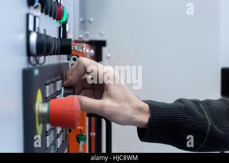 Engineer bei Systemsteuerung, Nahaufnahme - Stockfoto