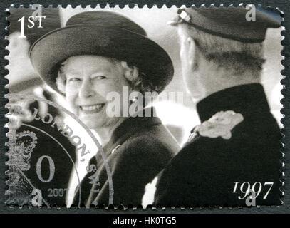 Vereinigtes Königreich - CIRCA 2007: Eine gebrauchte Briefmarke aus dem Vereinigten Königreich, zeigt ein Porträt - Stockfoto