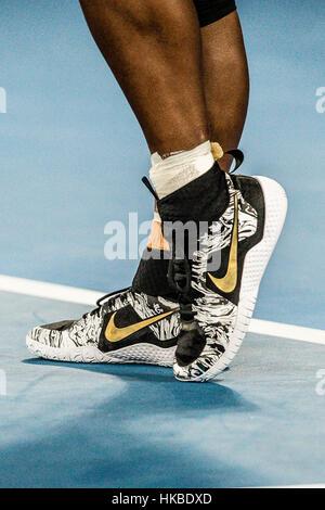 Melbourne, Australien. 28. Januar 2017. Schuhe von Serena Williams aus den USA, die ihren 23. Grand-Slam-Titel bei - Stockfoto