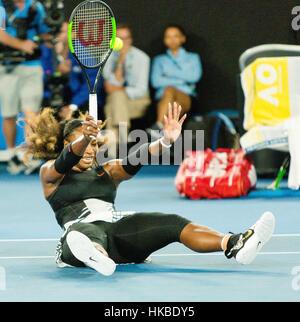 Melbourne, Australien. 29. Januar 2017. Serena Williams aus den USA nach den Matchball gegen ihre Schwester Venus - Stockfoto