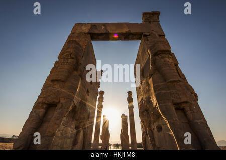 Das Tor aller Nationen, Persepolis; Fars Provinz, Iran - Stockfoto