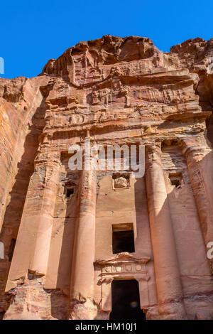 Rock Rose Königsgrab Arch Petra Jordan.  Von der Nabataens in 200 v. Chr. bis 400 n. Chr. erbaut.  Rose Red Canyon - Stockfoto